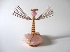 Soprammobile angelo in rame placcato oro su quarzo rosa