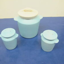 Hull Grease Jar Blue with Cream Colored Lid Salt & Pepper