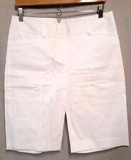 FASHION BUG womens size 8 white walking Bermuda shorts