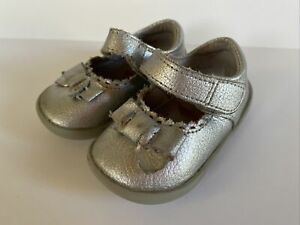 Betty Pediped Baby Toddler Girls Mary Jane Scalloped Bow Shoes Sz 4-4.5 Leather