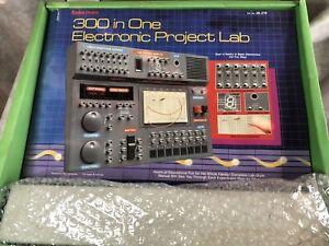 * * Leia Maxitronix 300 Em 1 Placa de laboratório Eletrônica somente