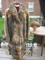 #M20 GOT TO HAVE IT  AMERICAN red gray fox cross fur coat size 8/9