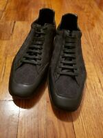 Mens Gucci Black Sneakers size US 7 Black Leather with logo Material