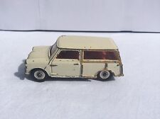 Dinky Toys 197 Morris mini traveller very nice model