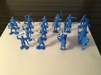 Marx Recast Fighting Knights In Royal Blue 1:32 Scale 18 Figures Plus 2 Horses