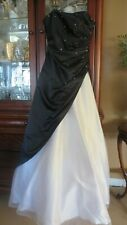 LE GALA BY MON CHERI PROM DRESS SIZE 4..REDUCED..