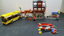 LEGO City Set - City Corner #7641 - Bus, Pizza, Bike Shop, Chef