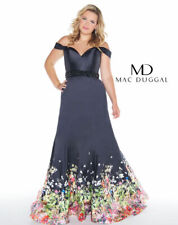 NEW $458  Mac Duggal Beaded Lace Bodice Gown in Black PLUS Size 18W  #B104