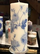RAMBLING ROSE Blue And White Hand Decorated Pillar Candle -/+90hrs 18x6.5cm
