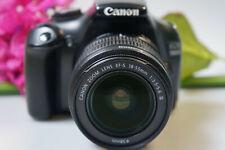 Canon EOS 1100 d, con Canon EF s 18-55mm, 3.5-5.6 III activaciones. 17.500 shutterc.