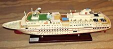 MS HANSEATIC HAPAG-LLOYD KREUZFAHRTEN HAMBURG GERMANY MODEL CRUISE SHIP 32""