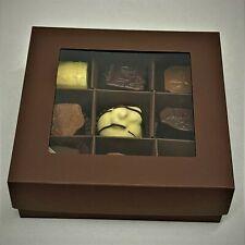 Pralinen / Belgische Pralinen, 9 Stück, dunkelbrauner Geschenkkarton