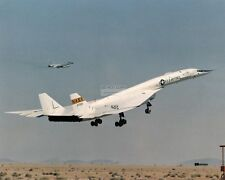 XB-70A #1 TAKING OFF ON A RESEARCH FLIGHT - 8X10 NASA PHOTO (ZZ-396)