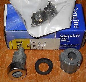 NOS 1995-2000 Chevrolet Blazer Tahoe Suburban Truck Door Lock Cylinder