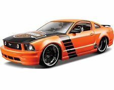 FORD MUSTANG GT 2006 1/24 Die Cast Model Car HARLEY DAVIDSON Metal Models Orange