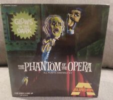 NEW 1972 THE PHANTOM OF THE OPERA ALL PLASTIC ASSEMBLY KIT NO.451
