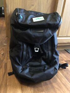 "Thule EnRoute Strut 15"" 19L Backpack black laptop tablet Urban"