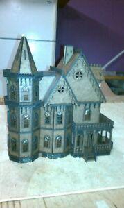 Leon Gothic (1:48 Scale) Kit