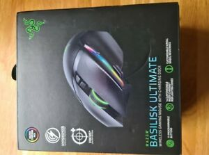 Razer Basilisk Ultimate Wireless Gaming Mouse with Charging Dock - Black
