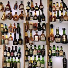 Collezione di 586 bottigliette mignon in vetro di liquori