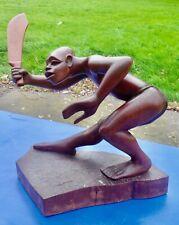 TRÈS GRANDE Sculpture en bois  précieux  GUERRIER AFRICAIN signée MEK . MED