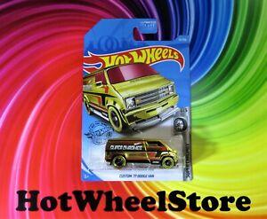 2019 Hot Wheels  Gold CUSTOM '77 DODGE VAN  Super Chromes  Card #23  HW22-120319