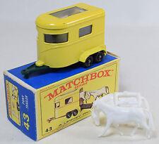 MATCHBOX #43 HORSE TRAILER, GREY DOOR, GREEN HITCH NEAR MINT W/ EXC BOX