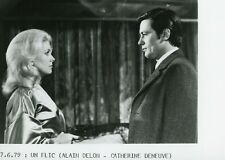 "ALAIN DELON CATHERINE DENEUVE ""UN FLIC"" MELVILLE PHOTO DE PRESSE CINEMA CP"