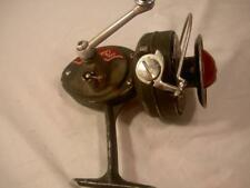 VINTAGE OLD FISHING REEL DAM QUICK JUNIOR GERMAN QUALITY 1960 4 lure tackle box