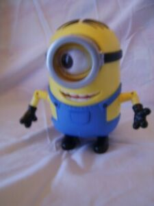 """Thinkway Toys Despicable Me 2 ME2 Talking Laughing Moving Minion """"Dave"""" Figure"""