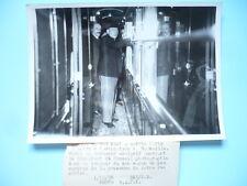 PHOTOGRAPHIE DE PRESSE 1938 PARIS M. DALADIER DANS LE TRAIN POUR MARSEILLE
