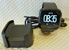 FITBIT VERSA SMARTWATCH EXERCISE ACTIVITY TRACKER w/ USB CHARGING BASE - BLACK