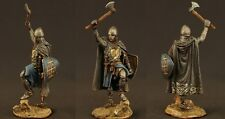 Tin toy soldiers ELITE painted 54 mm  Medieval knight with an ax