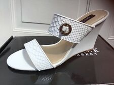 WHITE HOUSE BLACK MARKET WEDGE SHOES SIZE 9 NEW