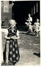 Foto, Blick auf ein blondes Mädchen, Jugend vor 1945 (N)20577
