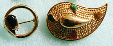 Lot of 2 vtg Fashion Paisley Deco design gold tone metal stones pin brooch set