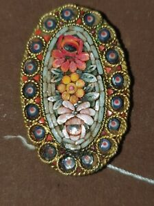ANTIQUE MICRO MOSAIC BROOCH MADE IN ITALY 1.5 INCHES WIDE