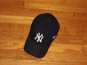 NEW ERA 9FORTY NEW YORK YANKEES ADJUSTABLE STRAP ADULT BASEBALL CAP EXCELLENT