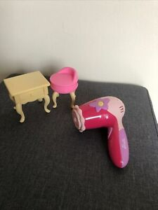 Barbie Mattel 1996 Tisch und Hocker!