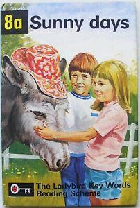 Vintage Ladybird Book – 8a Sunny days – Key Words – Peter & Jane – Very Good