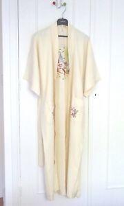Peignoir femme  kimono en soie crème brodé main taille S (40)