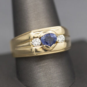 Men's Cornflower Blue Sapphire and Diamond Ring in 14k Yellow Gold