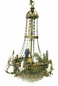 Lustre de style Louis XVI en bronze et pendeloques de cristal XIX Siècle