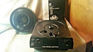 Kodak BC4401 Carousel 4400 Projector W/ Remote,Tray, Bulb.USA