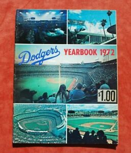 Original 1972 Los Angeles Dodgers Official Baseball Yearbook w/ F. Robinson EX+