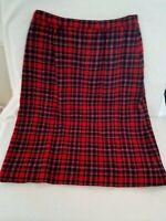 Vtg PENDLETON Ladies 14 Wool Skirt Black & Red Tartan Plaid Pencil Made in USA
