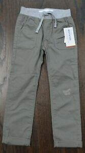 Old Navy boys built-In flex skinny pants with faux patch size 5T new with tags