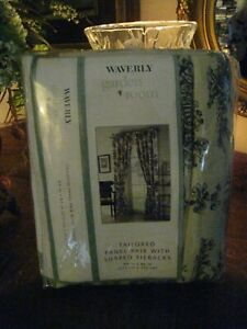 WAVERLY ~GARDEN ROOM TOILE BEIGE & BLACK PANELED CURTAIN (PAIR) W/ TIEBACKS #137