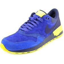 Nike Solid Sneakers Athletic Shoes for Men