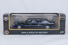 1:43 DIECAST SCALE MODEL - LUXURY PRESIDENTIAL LIMOUSINE 2009 NEW IN BOX